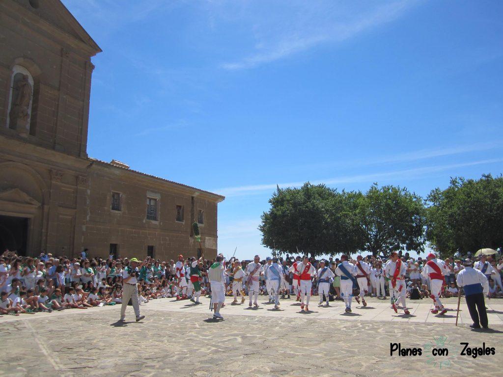 Ermita de Loreto y Danzantes de Huesca